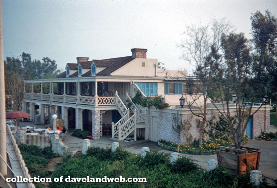 Daveland Disneyland Chicken Plantation Restaurant Photos
