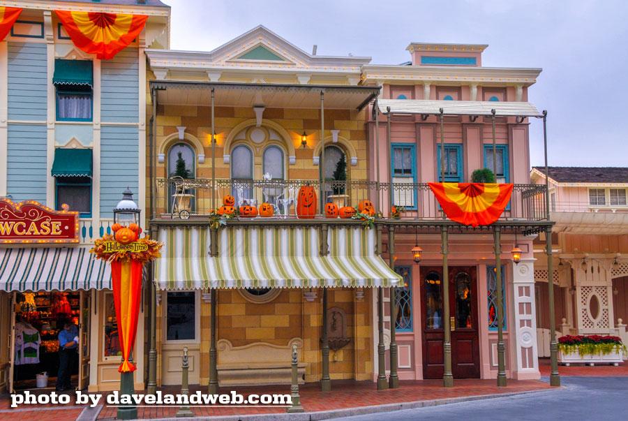 Disneyland Town Square photo
