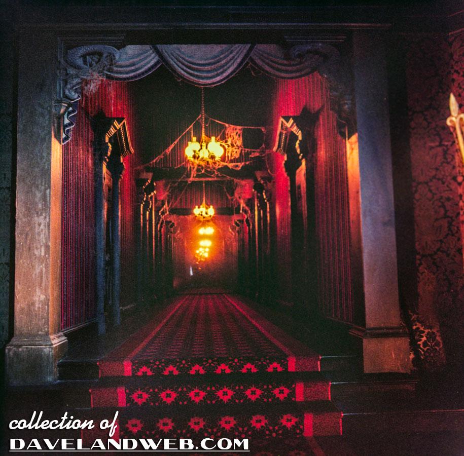 Davelandblog freaky fridays the haunted mansion the knight for Haunted house hallway ideas