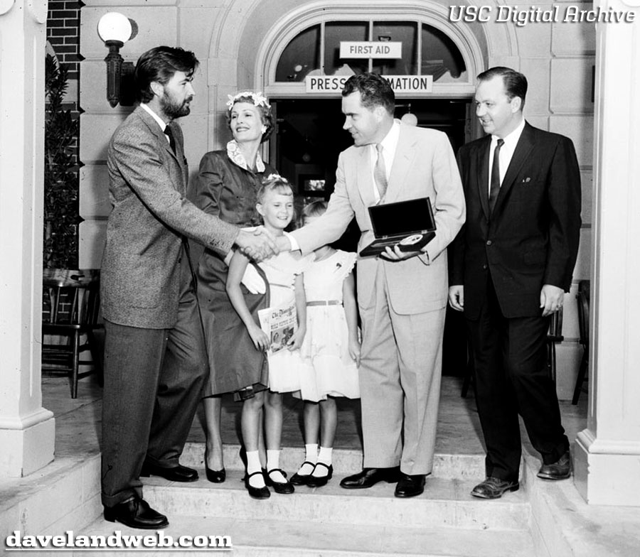 Julie And Pat Nixon S: Davelandblog: The Nixon Family & Disneyland, Pt. 1