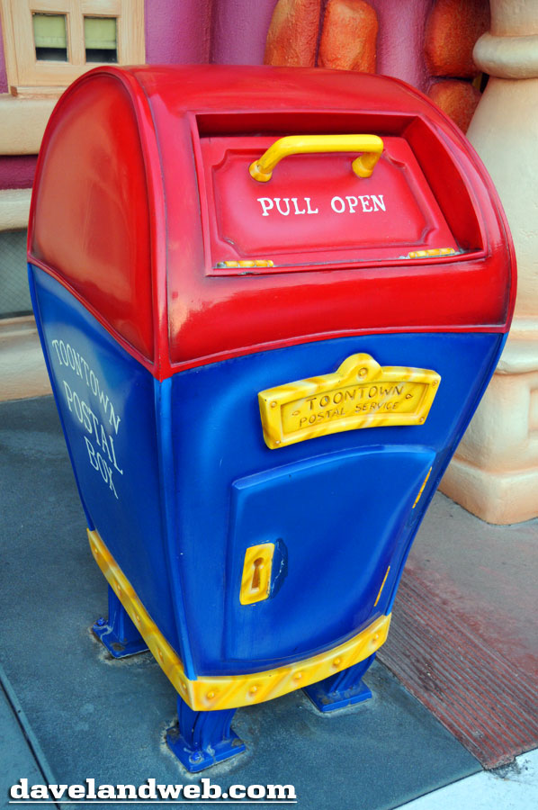 A mailbox in fantasyland 5