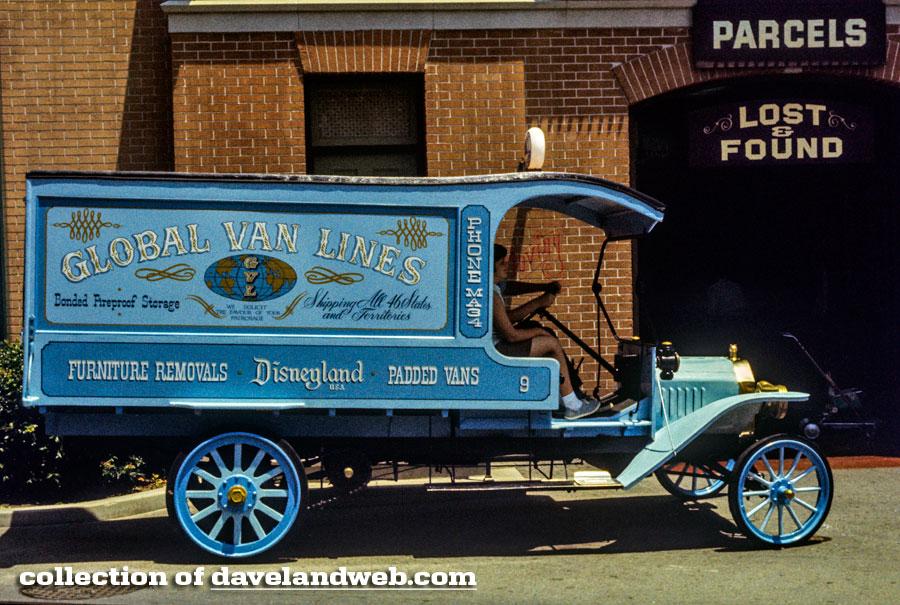 Global Van Lines Truck